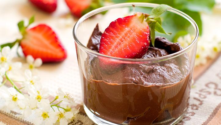 copa de chocolate con fresón de palos